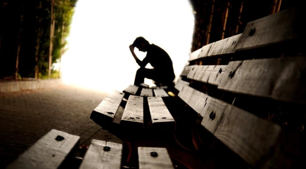 Depresja po udarze mózgu – objawy przyczyny i wpływ na rehabilitację