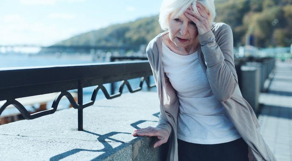 Zawroty głowy i mdłości (kręcenie w głowie) – objawy, przyczyny, diagnostyka, leczenie