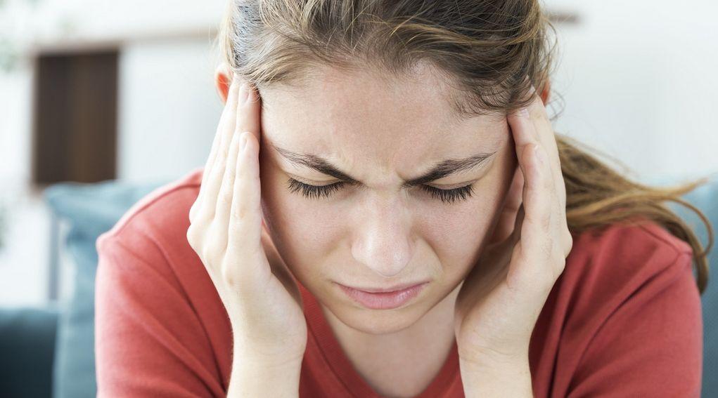 Ból głowy (z tyłu, boku, przodu) – objawy, przyczyny, rodzaje, leczenie