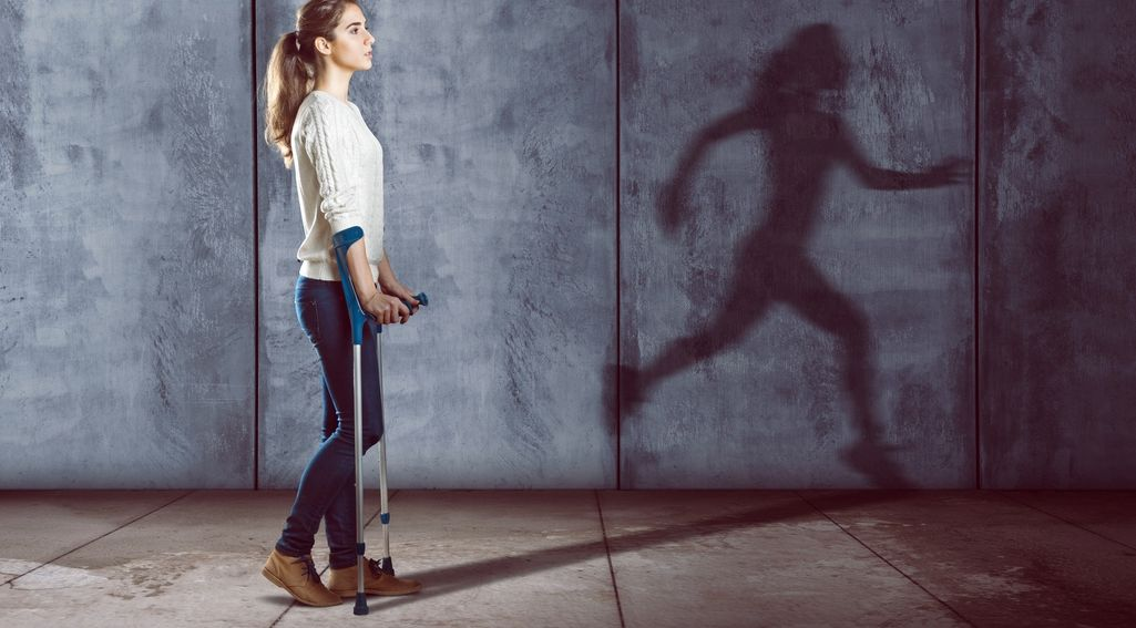 Stwardnienie rozsiane (SM) – objawy, przyczyny, badania, leczenie