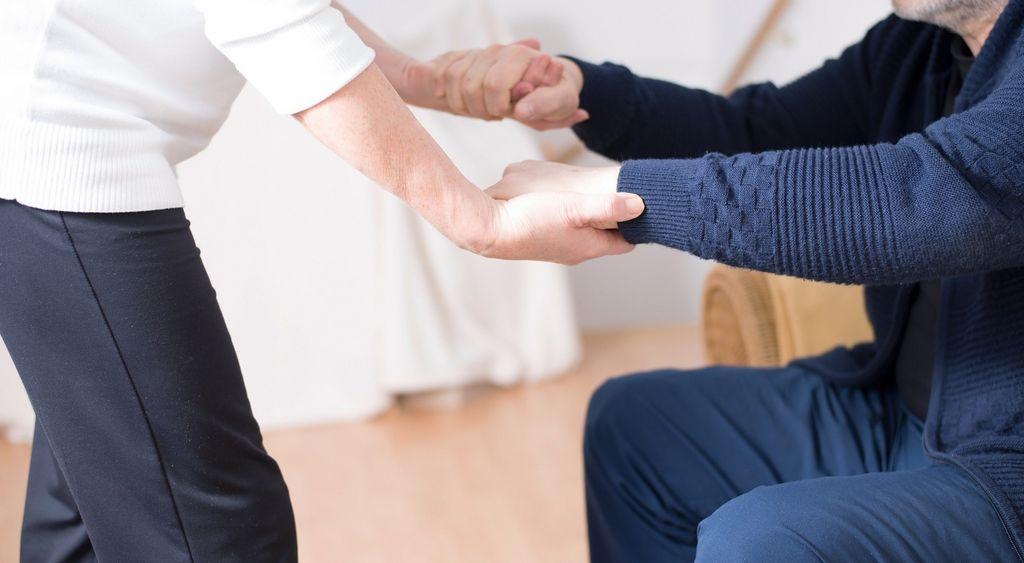 Choroba Huntingtona (pląsawica) – objawy, przyczyny, badania, leczenie