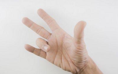 Strzelający palec, strzelający kciuk – przyczyny, operacja, rehabilitacja