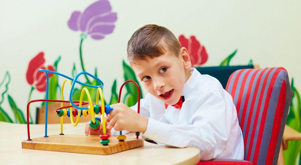 Mózgowe porażenie dziecięce (MPD) – objawy, przyczyny, leczenie, rehabilitacja