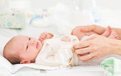 Dysplazja stawu biodrowego u niemowląt – objawy, badanie, leczenie, rehabilitacja