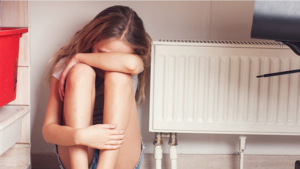 Wpływ skrzywienia kręgosłupa (skolioza) na obniżenie poczucia własnej wartości u dziewczyn