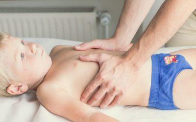 Deformacje klatki piersiowej u dzieci – objawy, przyczyny, leczenie, rehabilitacja